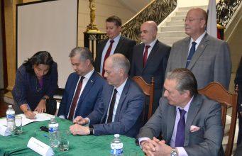 BUAP firma Memorándum para colaborar en experimento ruso