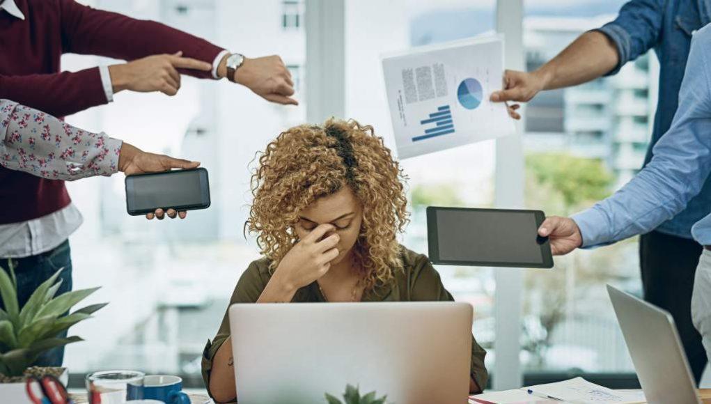 ¿Estrés laboral? Ya entró en vigor la norma que obliga a tu jefe a indemnizarte por ello