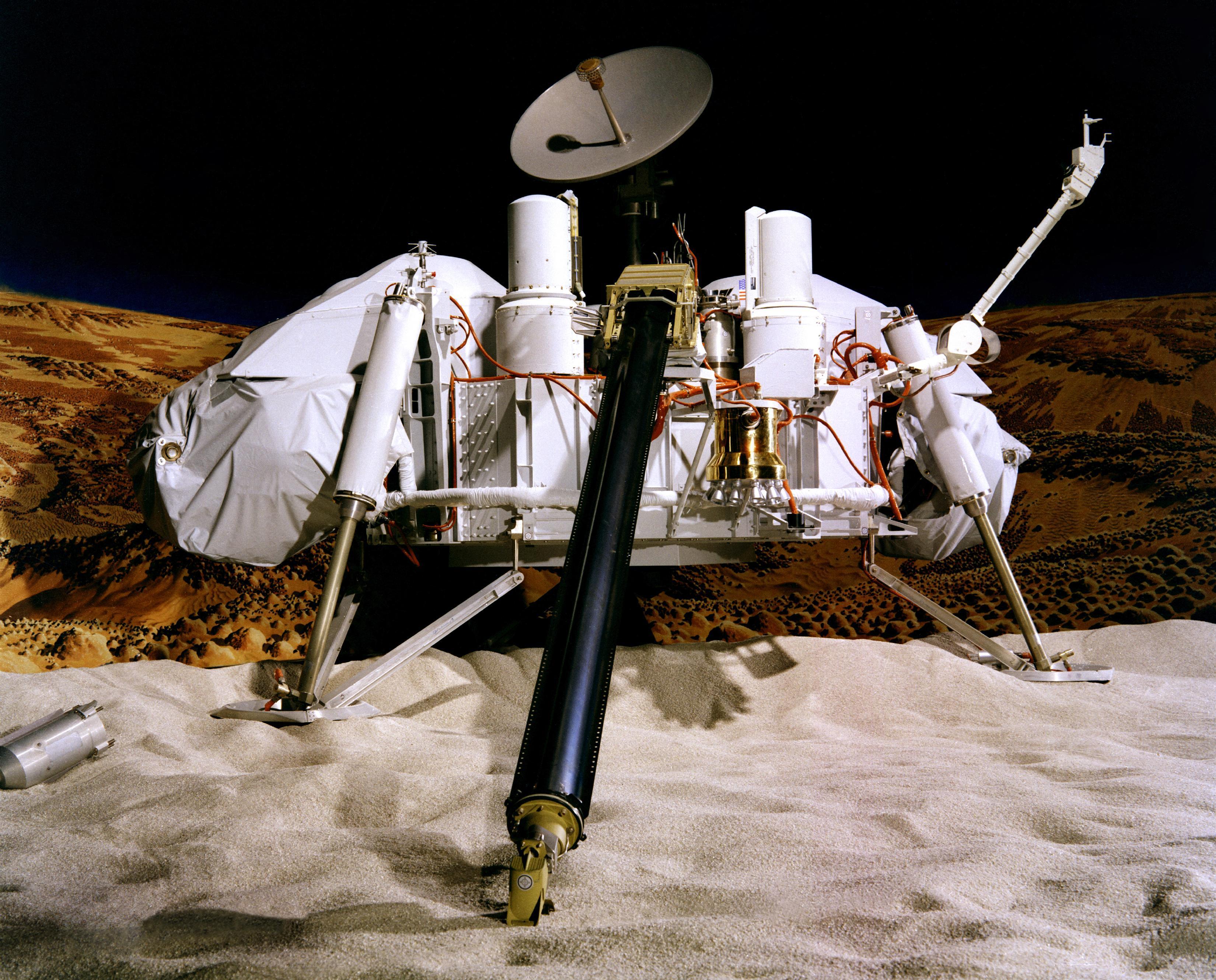 Ex científico de la NASA asegura que hay vida en Marte y lo saben desde los 70