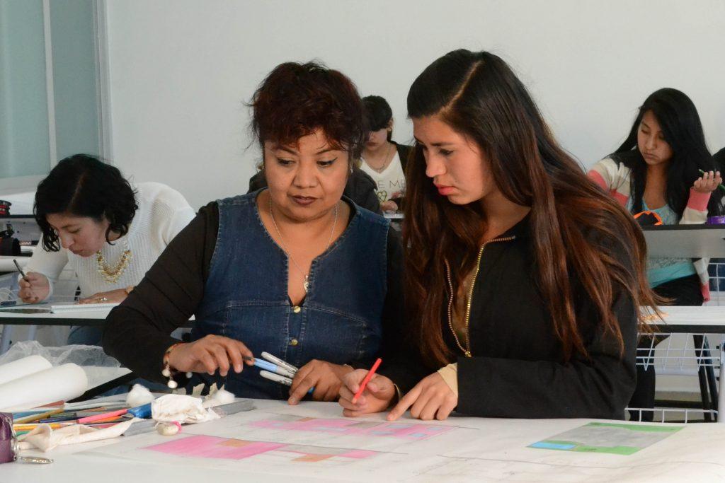 En educación, prioritario enseñar a pensar y a aprender, BUAP