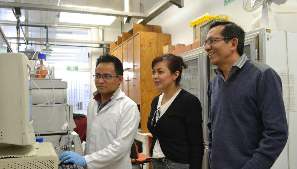 Con enzimas de un hongo, investigador BUAP degrada compuestos tóxicos en agua