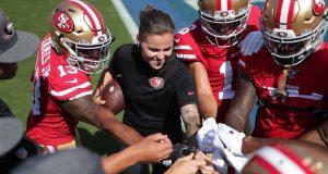 Ella es Katie Sowers, la primera mujer que llega al Super Bowl